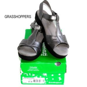 Grasshoppers Ortholite Silver Pewter Sandals 8.5W